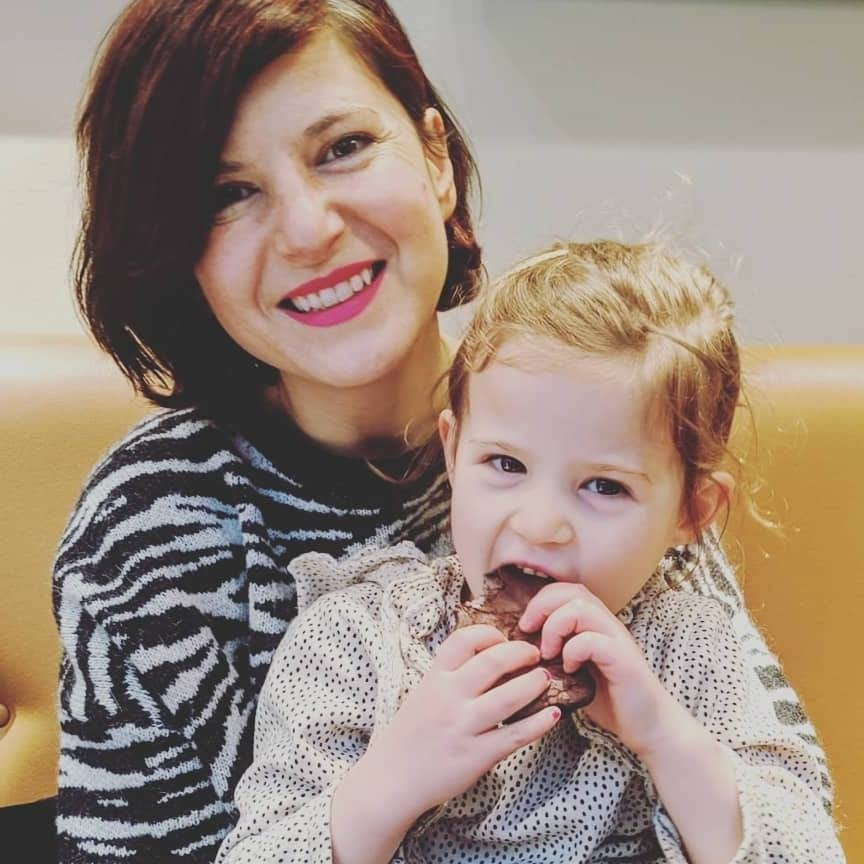 Linda Vezzoli with her Daughter